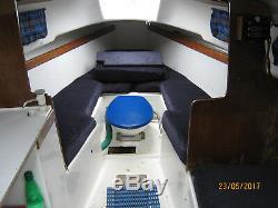 23ft Yacht Pandora International. Comme Si. De Nouvelles Couvertures, L'ancre Et Les Voiles Inclus